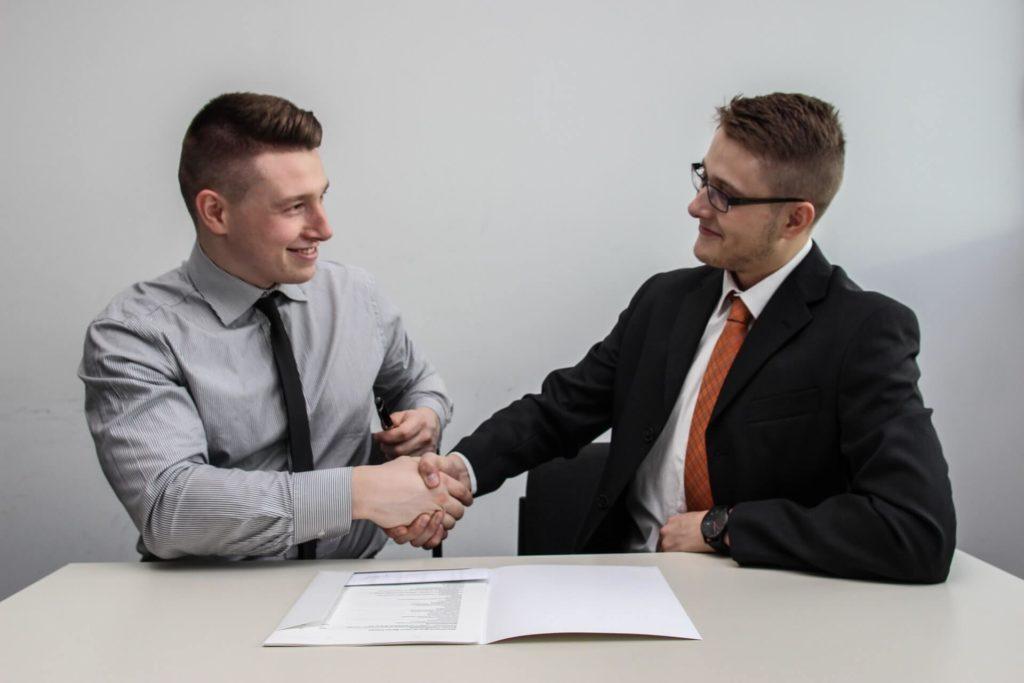 כיצד עורך דין מקרקעין יכול לסייע ברכישת דירה?